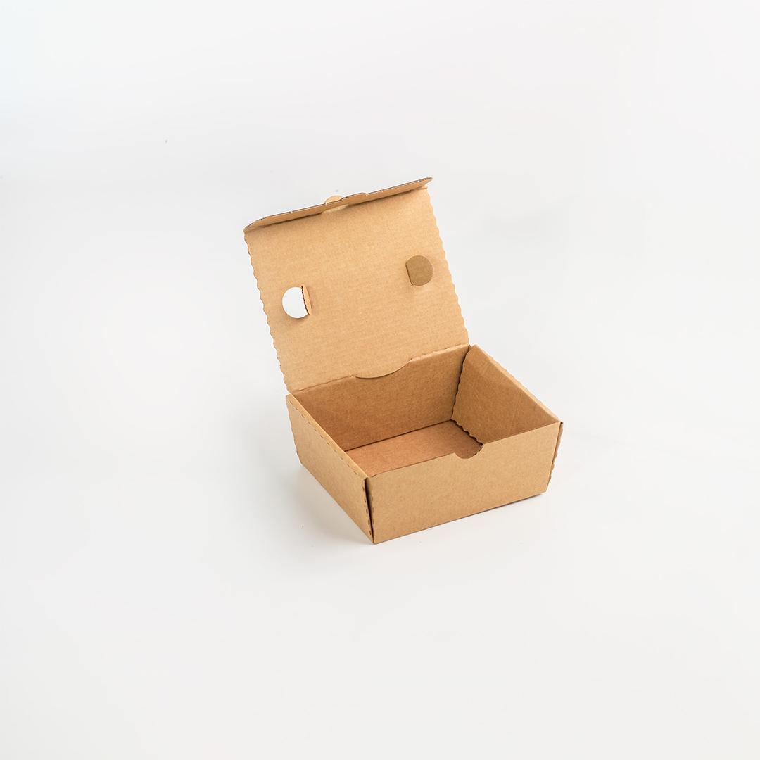Piccola scatola fustellata